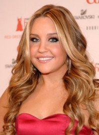 file_3367_amanda-bynes-long-highlights-curly-prom-blonde-275