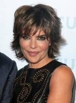 file_3446_lisa-rinna-short-layered-bangs-highlights-brunette-2012