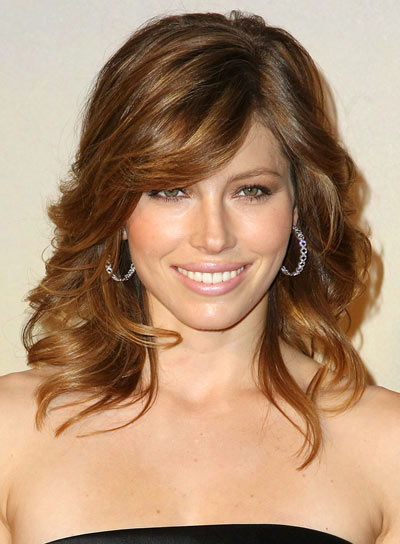 Jessica Biel Medium Curly Fine Hairstyle With Bangs