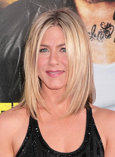 Medium layered bobs beauty riot jennifer aniston straight layered bob urmus Choice Image