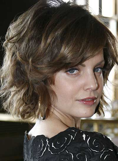 short styles for thick wavy hair wavy tousled hairstyles riot 3104 | file 3877 mena suvari short bob wavy