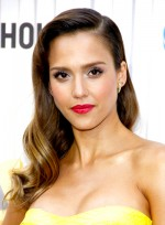 file_3916_jessica-alba-long-formal-romantic-wavy-hairstyle