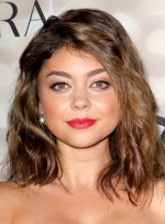 file_3951_sarah-hyland-funky-medium-brunette-wavy-hairstyle