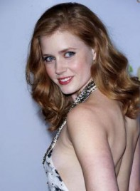 file_4509_amy-adams-wavy-romantic-red-275