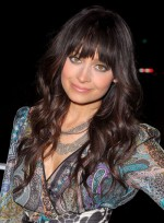 file_4711_nicole-richie-long-bangs-wavy-tousled