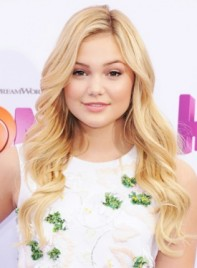 file_4938_Olivia-Holt-Long-Blonde-Romantic-Wavy-Hairstyle-275