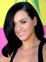 file_5347_katy-perry-medium-black-wavy-chic-hairstyle
