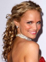 file_5449_kristin-chenoweth-curly-half-updo-formal