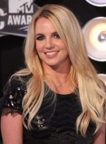 file_5502_britney-spears-long-chic-blonde