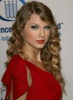 file_5505_taylor-swift-long-wavy-blonde