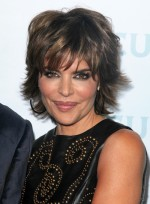 file_5578_lisa-rinna-short-layered-bangs-highlights-brunette-2012