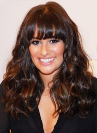 file_5586_lea-michele-long-bangs-highlights-wavy-thick-chic-brunette-275