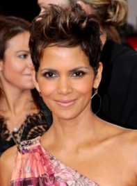 file_5602_halle-berry-short-brunette-edgy-hairstyle-highlights-275