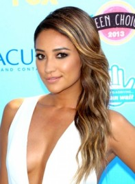 file_5607_shay-mitchell-long-brunette-sexy-hairstyle-with-highlights-275