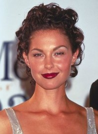 file_58661_ashley-judd-curly-updo-brunette-275