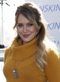 file_58755_hilary-duff-half-updo-wavy-romantic-blonde-275