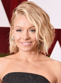 file_58815_Kelly-Ripa-Short-Wavy-Blonde-Edgy-Hairstyle-275
