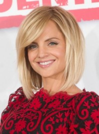file_58883_mena-suvari-medium-edgy-straight-hairstyle-275