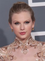 file_5897_taylor-swift-updo-romantic-party-blonde-NEW