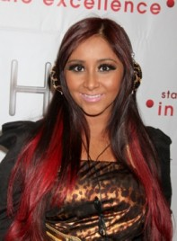 file_59055_nicole-snooki-polizzi-long-highlights-layered-black-red-275