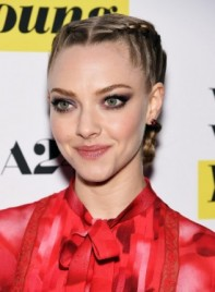 file_59059_Amanda_Seyfried_with_a_Long-Blonde-Funky-Hairstyle-Braids-and-Twists-275