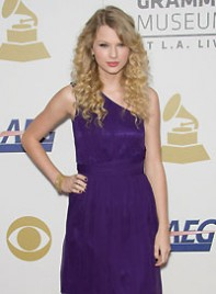 file_5_6332_best-clothes-blondes-taylor-swift-4