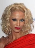 file_46_6541_worst-makeup-trends-sarah-harding-06