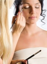 file_24_6661_find-your-prom-makeup-look-07