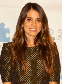 file_59152_nikki-reed-long-brunette-wavy-tousled-hairstyle-275