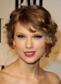 file_12_6951_celebrity-shopping-guide-taylor-swift-11
