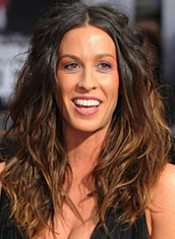 file_16_6901_worst-hair-2010-so-far-alanis-morissette-05