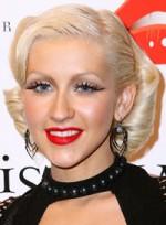 file_35_6941_celebrities-who-need-makeunders-christina-aguilera-01