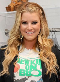 file_22_7021_stuff-we-love-august-jessica-simpson-09