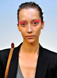 file_13_7321_weirdest-fashion-week-looks-12