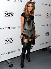 file_19_7331_celebrities-at-fashion-week-jennifer-lopez-02