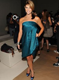file_30_7331_celebrities-at-fashion-week-ashley-greene-13
