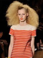 file_51_7321_weirdest-fashion-week-looks-14