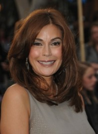 file_59248_teri-hatcher-straight-layered-sexy-brunette-275