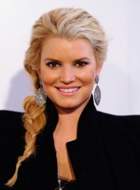 file_7_7741_ways-to-style-long-hair-jessica-simpson-07