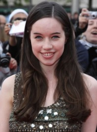 file_59589_anna-popplewell-long-sophisticated-brunette-275