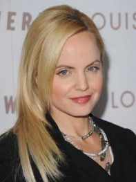 file_16_8321_best-layered-hairstyles-mena-suvari