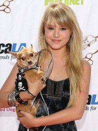 file_17_8401_celebs-who-look-like-their-dogs-taylor-spreitler-16
