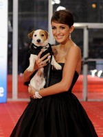 file_95_8401_celebs-who-look-like-their-dogs-maria-reyes-18