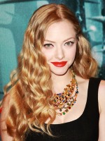 file_36_8561_wavy-hairstyles-amanda-seyfried-02