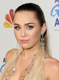file_31_9791_richest-celebs-under-25-miley-cyrus-14