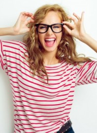 file_9871_makeup-glasses-tips-thumb-275
