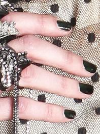 file_18_10191_fashion-week-nail-art-06