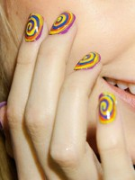 file_24_10191_fashion-week-nail-art-01