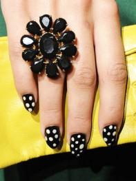 file_8_10191_fashion-week-nail-art-07