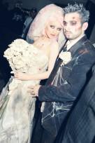 file_48_11511_celeb-halloween-costumes-christina-aguilera-zombie-bride-2006